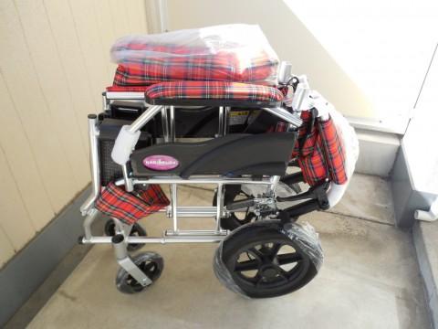 介助用車椅子 クラウド